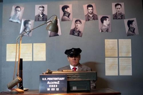 alcatraz-desk