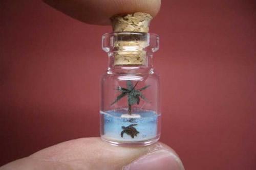 Izumi-Akinobu-Paper-Art-Tiny-World-In-A-Bottle